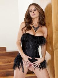 Emily Addison Satisfy Her Aroused Body 06