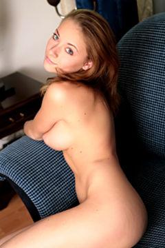 Olivia Sexy Nude Girl Posing