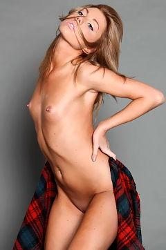 Hot Naked Camila