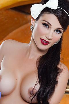 Erika Knight Naked