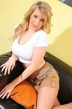 Jodie Piper In Hot Nylon