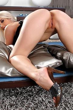 Nesty Blonde Babe Loves Huge Dildo