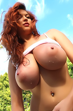 Tessa Fowler In A Behind The Scenes