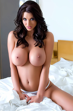 Alice Goodwin High Res Tits