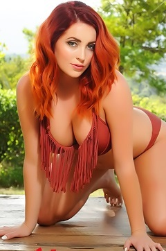 Lucy Vixen Gets Topless Outside
