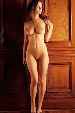 Sexy Susann In Nude