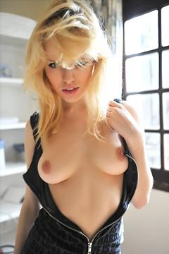Lorna In Hot Lingerie