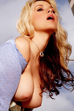 Sarah Vandella Needs You