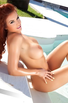 Tommi Jo Strips Her Tiny Bikini