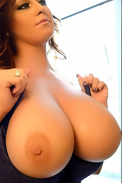 Sarah Nicola Randall Massive Boobs