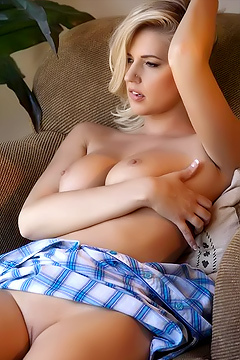 Country Girl Alexa Johnson