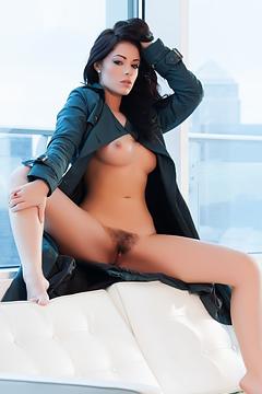 Glamour Babe Ava Delush