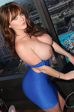 Sophie Dee Captivating View