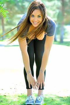 Sabrina Nude Jogging