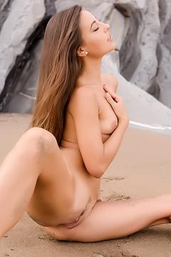 Brunette Cutie Lorena Garcia
