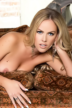 Gorgeous Blonde Playboy Girl Heidi Michel