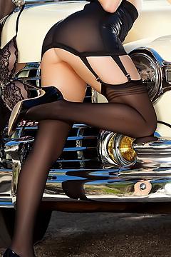 Chanel Elle Retro Flirt