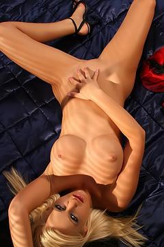 Hayley So Sexy