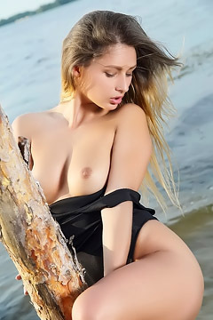 Yarina A Strip Off Her Bodysuit At Beach
