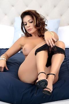 Hot MILF Nikki Capone Stripping