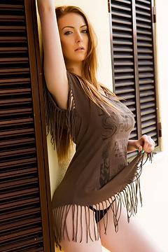 Busty Alice Brooks