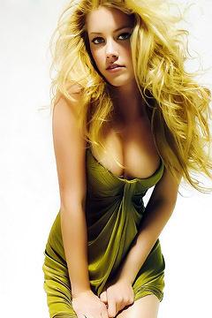 Blonde Star Amber Heard
