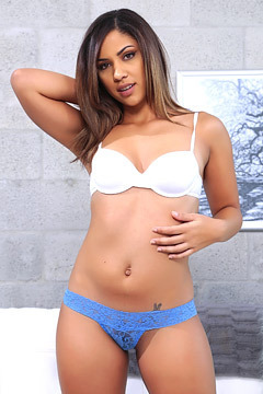 Sexy Latina Teen Mariahh Strips And Spreads