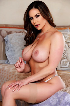 Big Boobed MILF Kendra Lust Strips Off Her Sexy Lingerie