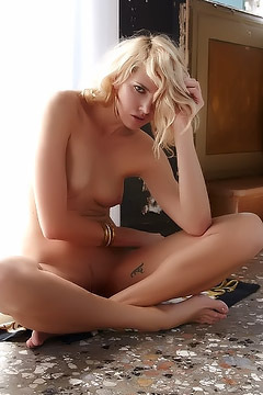 Lilly Nude On The Floor