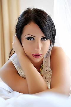 Nina Leigh Azteca