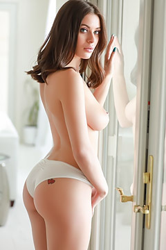 Lana Rhoades Strips To Naked