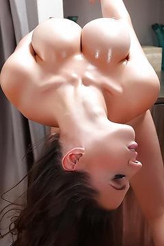 Busty Lana Kendrick