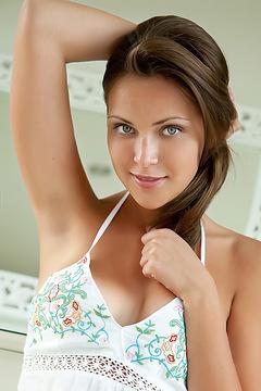 Sophia E Sweet And Sexy