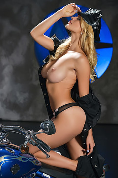 Nasty Blonde Yaryna Born To Ride