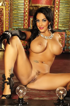 Nina Mercedez In Gloves
