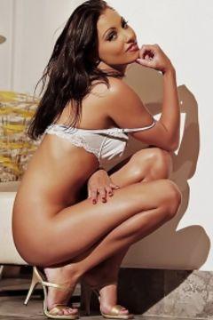 Anetta Keys gets naked