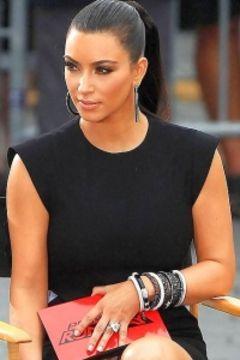 Kim Kardashian Panty Upskirt