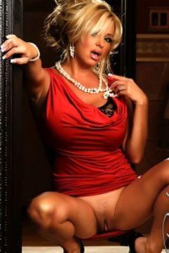 Rachel Aziani looks amazing