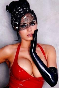 Isabella Fierra latex lady