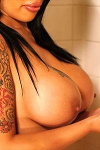 Elva Marie round boobs