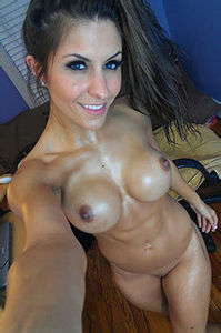 Naked Teen Selfshot Pics