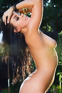 Jackie Daniels Supreme Natural Beauty