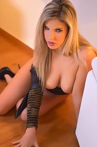 Eva Parcker Sexy Upskirt