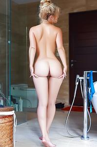 Sexy Alana Wolfe