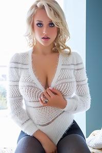 Busty Playmate Sabrina Nichole