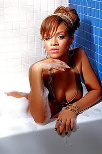 Rihanna Hot Nudes Pics