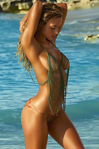 Swimsuit Model Hannah Ferguson