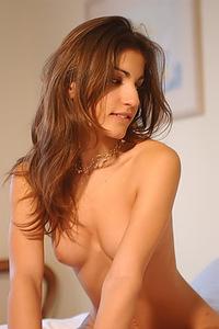Erotic Brunette Steffi
