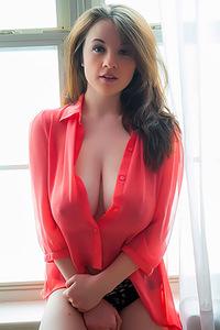 Emily Born Busty Beauty