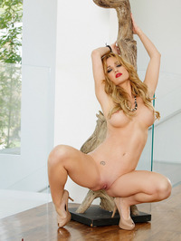 Angela Sommers Pink Pussy Lips 03